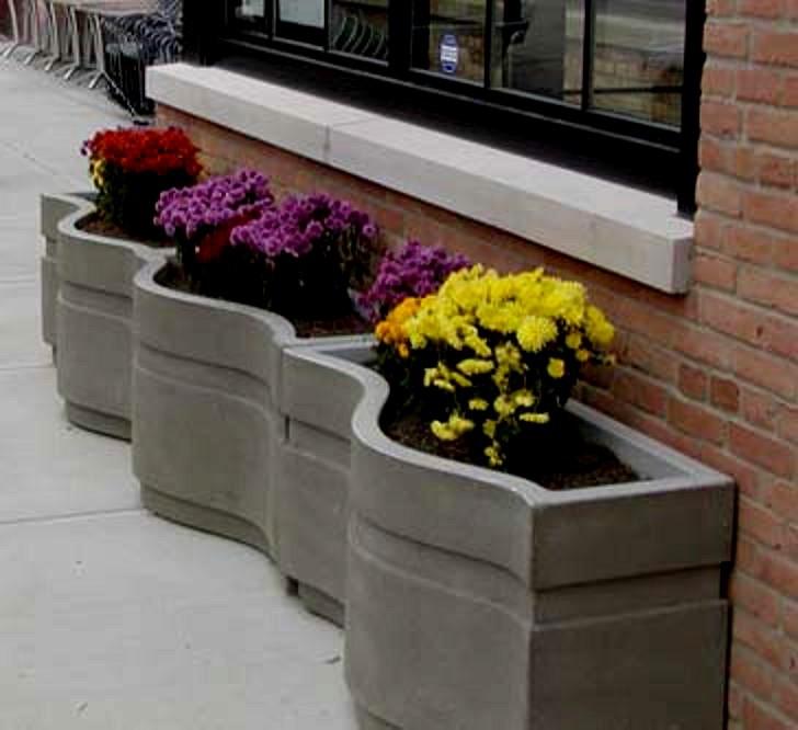 Многообразие бетонных цветочниц и урн - краткий экскурс