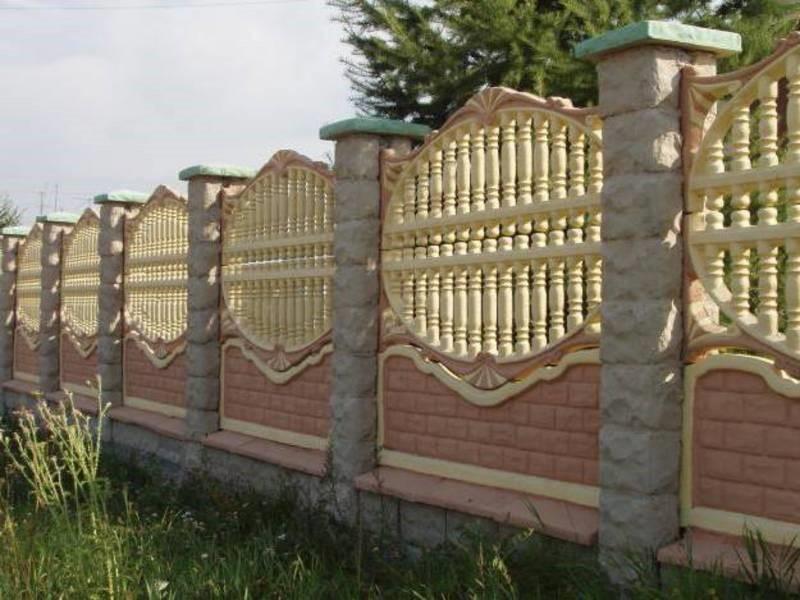 декоративный забор из бетона -двух цветный