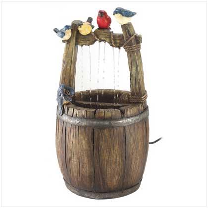 декоративный колодец из бочки с птичками