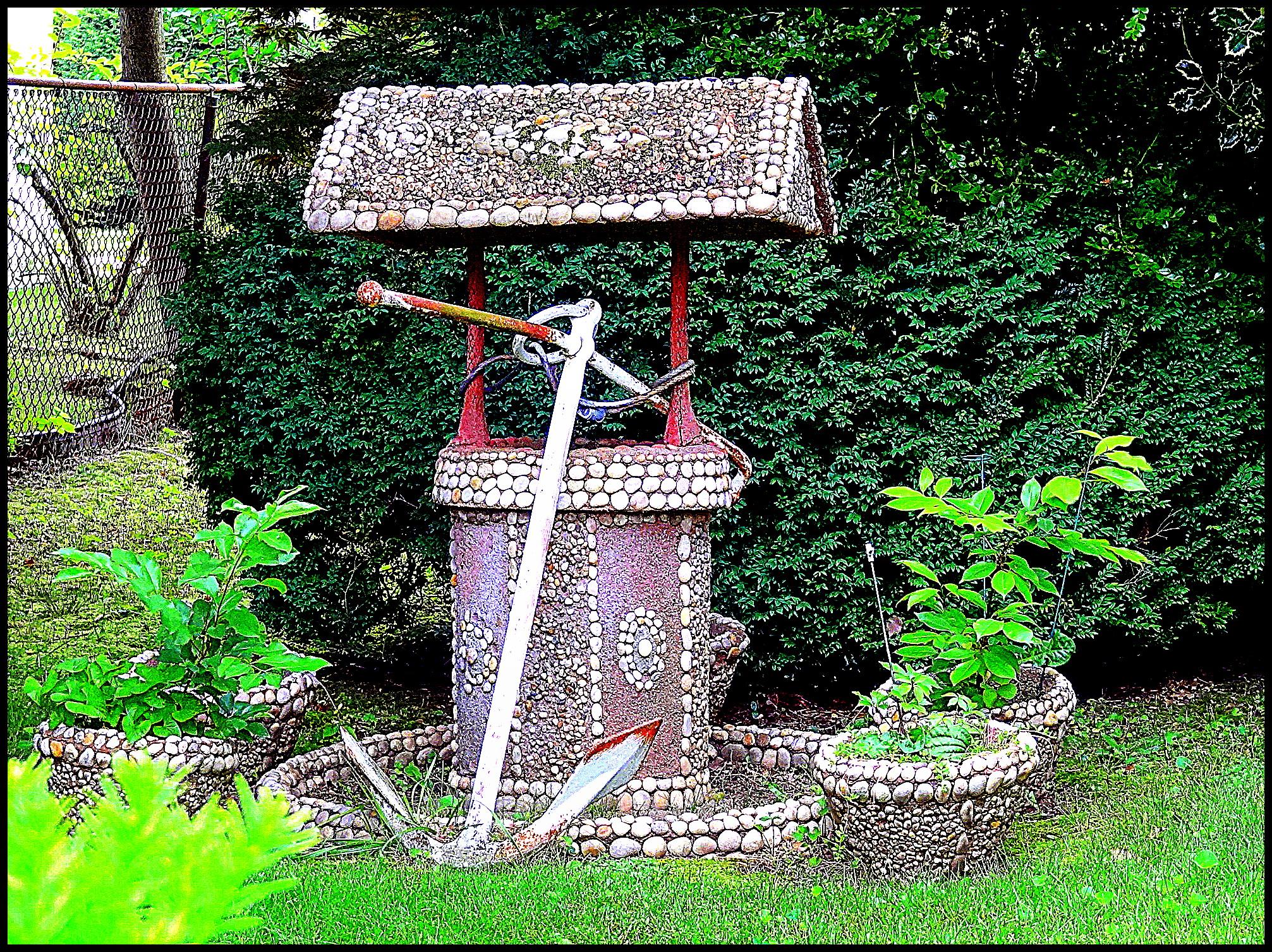 Декоративный колодец на даче своими руками (57 фото)