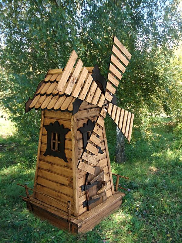 симпатичный декоративный колодец в виде мельницы