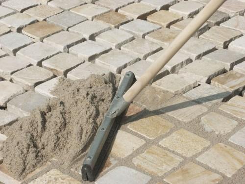 засыпка песком тротуарной плитки